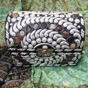 Box Jewelry Carved Handmade Balinese River Stone Alpaca Silver Gemstone Floral Carved Home Decor Indian Treasure Chest Trinket 1