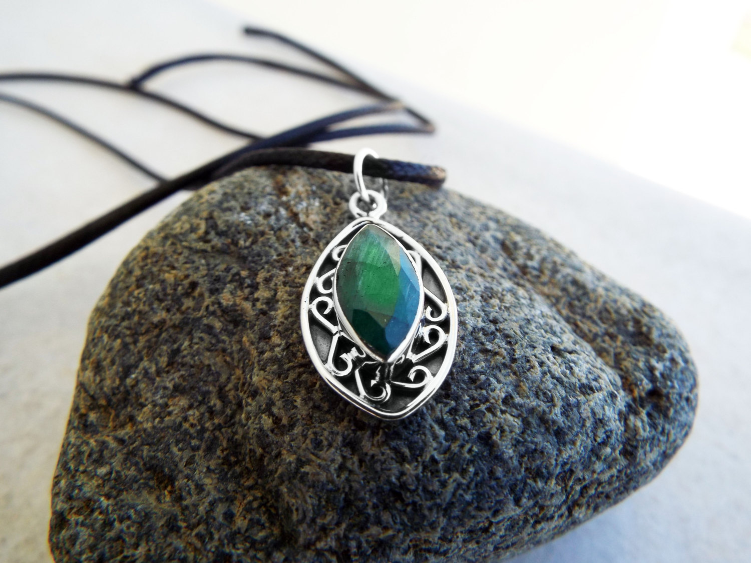 Emerald Pendant Gemstone Silver Necklace Green Handmade ... - photo#39