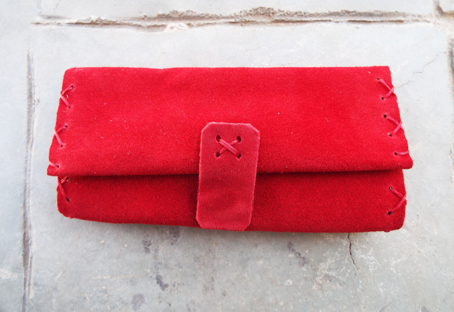 how to make a leather tobacco pouch