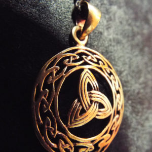Triquetra Pendant Symbol Celtic Magic Handmade Bronze Celtic Knotted Jewelry Necklace 1