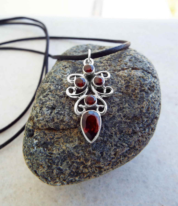 Silver Red Granite : Garnet pendant sterling silver handmade vintage